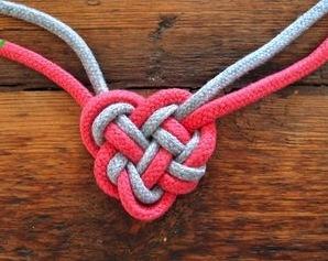 knot heart